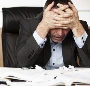 combatir el estrés laboral _dolor de cabeza